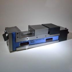 Pneumatický svěrák VMC-6PL